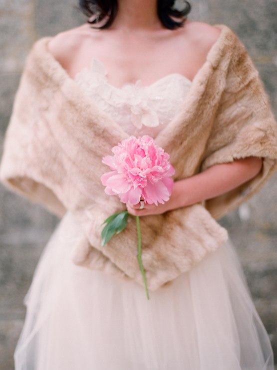 Букет невесты из одного цветка