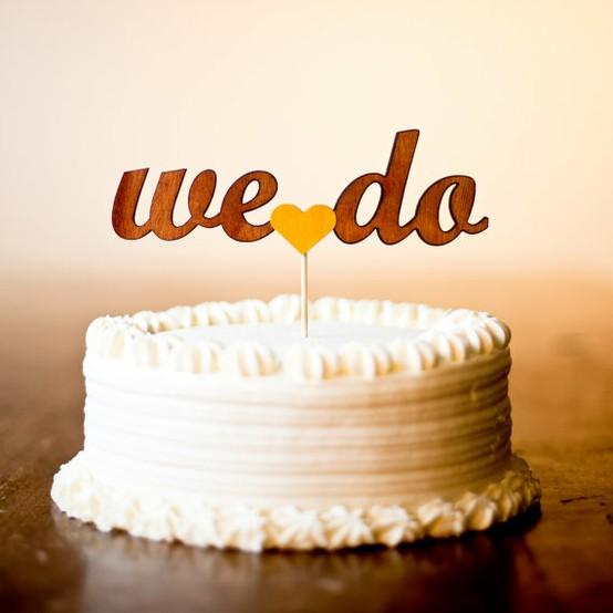 Торт свадебный с надписью