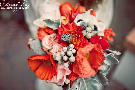 Букет невесты с маками