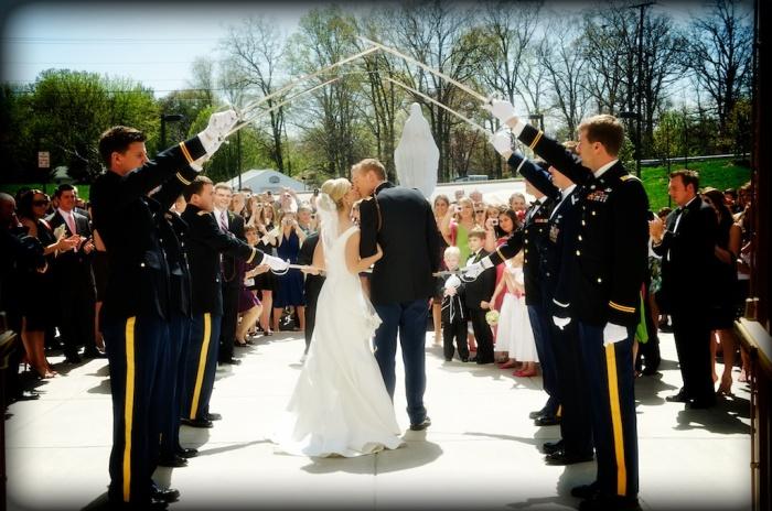 Свадебная арка из сабель