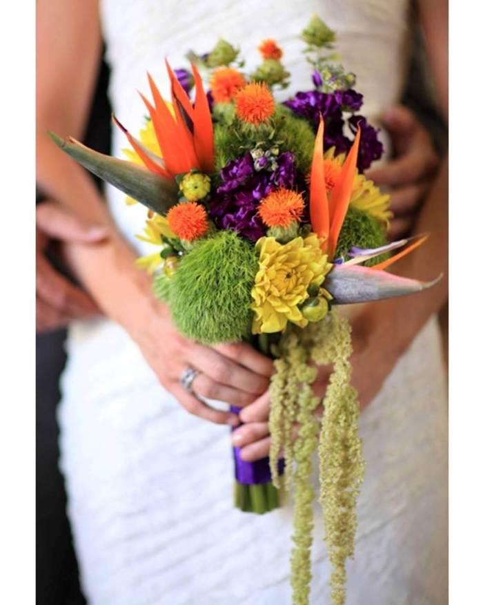 Букет невесты со стрелициями