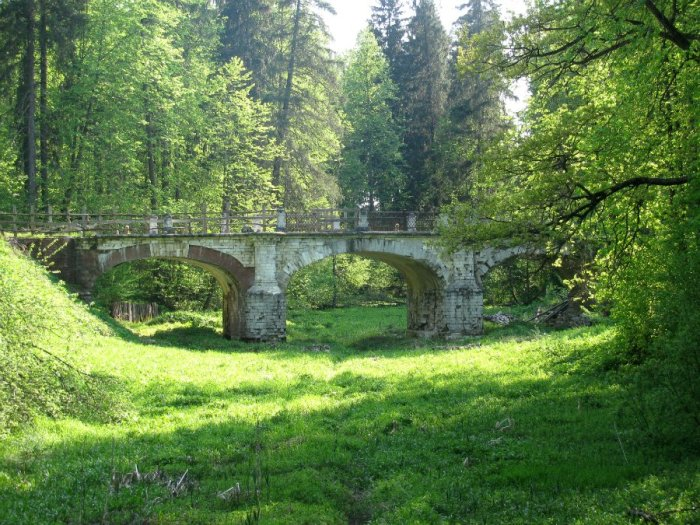 Мост в усадьба Середниково