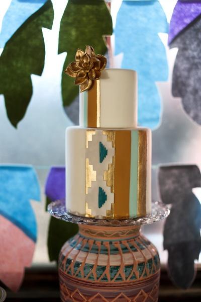 Графичный свадебный торт