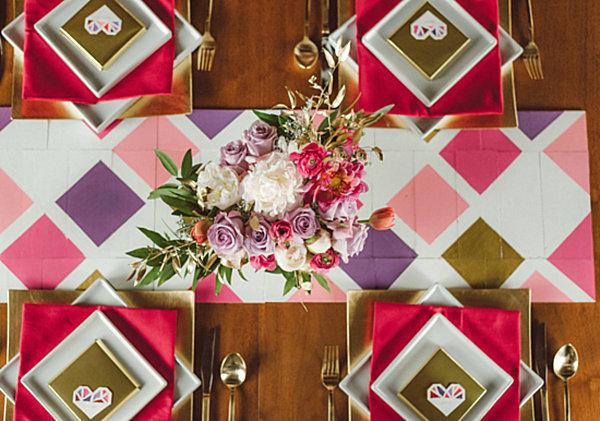 Геометричны свадебная сервировка стола