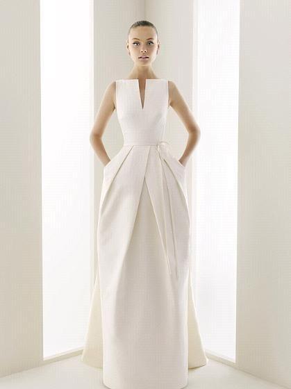 Неометрическое свадебное платье