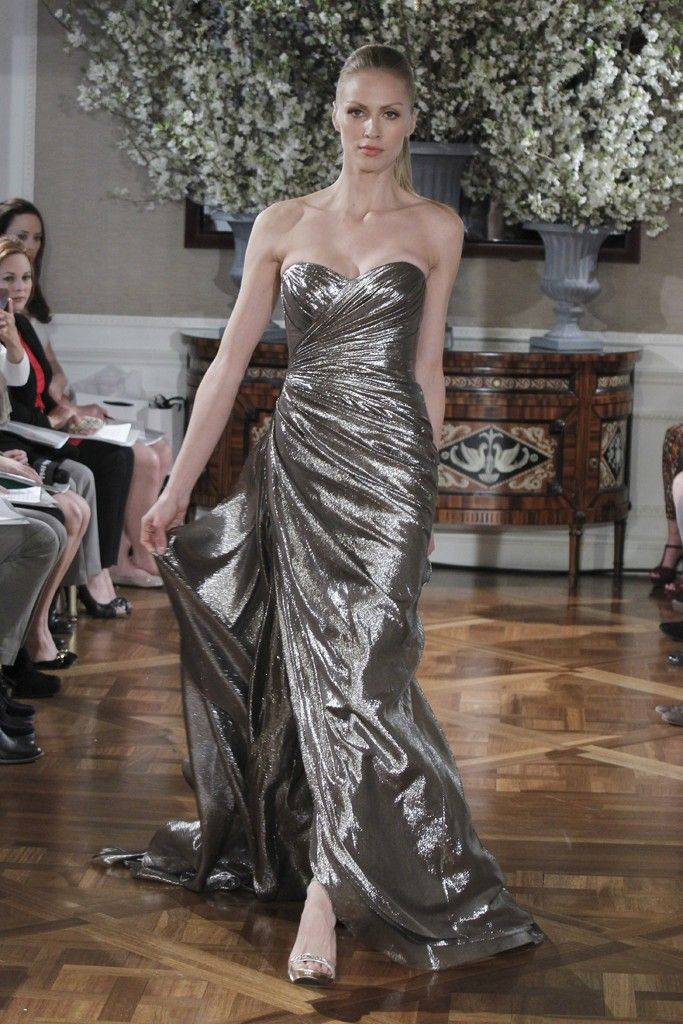 Серо-металлическое платье на свадьбу