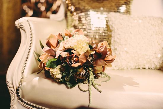 Букет невесты в бронзовых оттенках