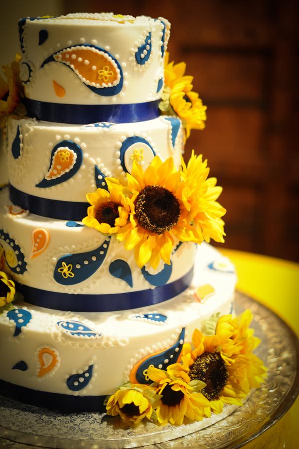 Свадебный торт с подсолнечником