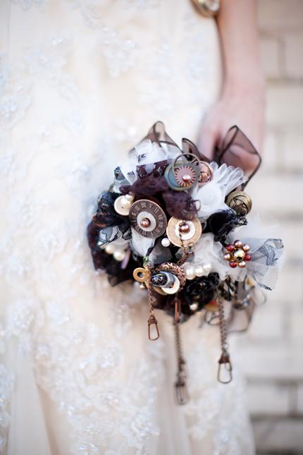 Букет невесты стимпанк
