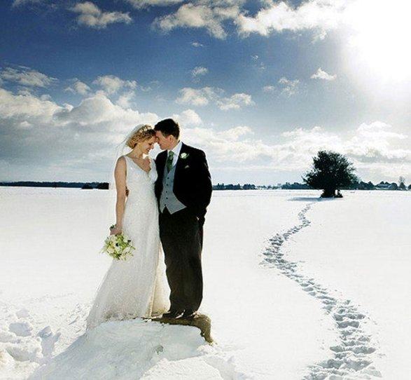 Свадьба в солнечный зимний день
