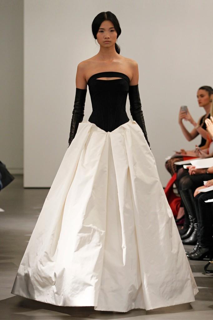 Цветные свадебные платья