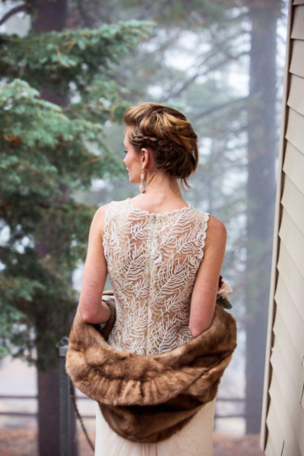 Болеро из меха на свадьбу