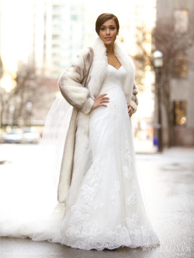 Невеста в длинной шубе