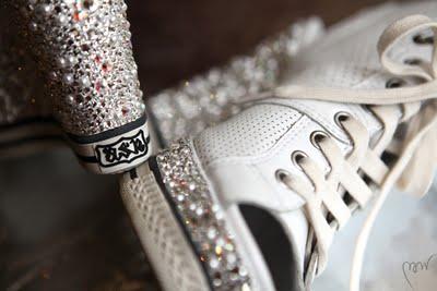 Туфли невесты для свадьбы в стиле спорт