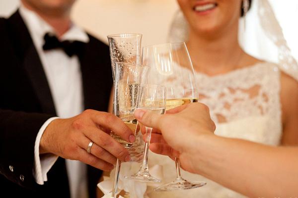 Как рассчитать количество напитков на свадьбу