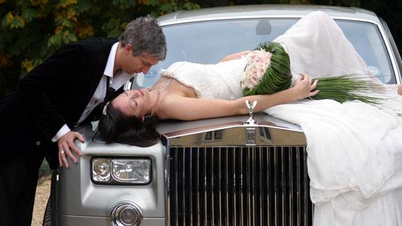 Автомобиль представительского класса на свадьбу