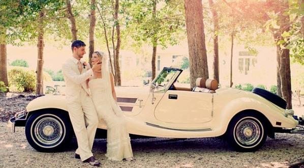 Машина на свдаьбу в винтажном стиле