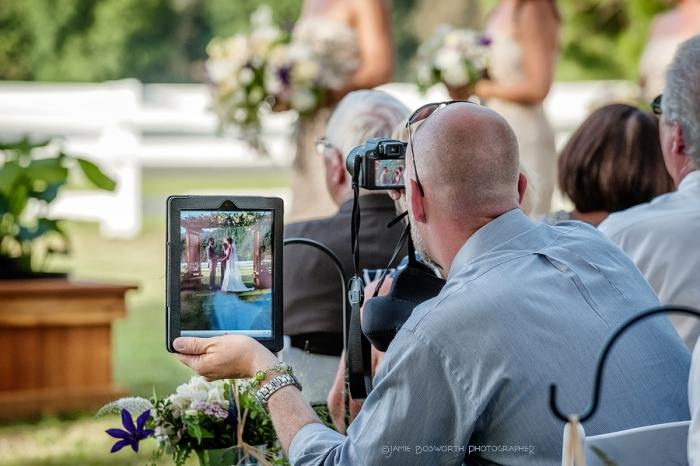 Гоасти с девайсами - бич свадьбы