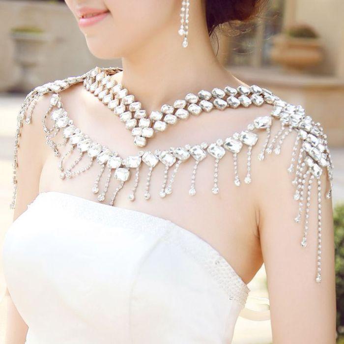 Ожерелье на плечи невесты