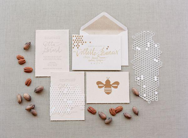 Соты, пчелы и мед - тема для свадьбы