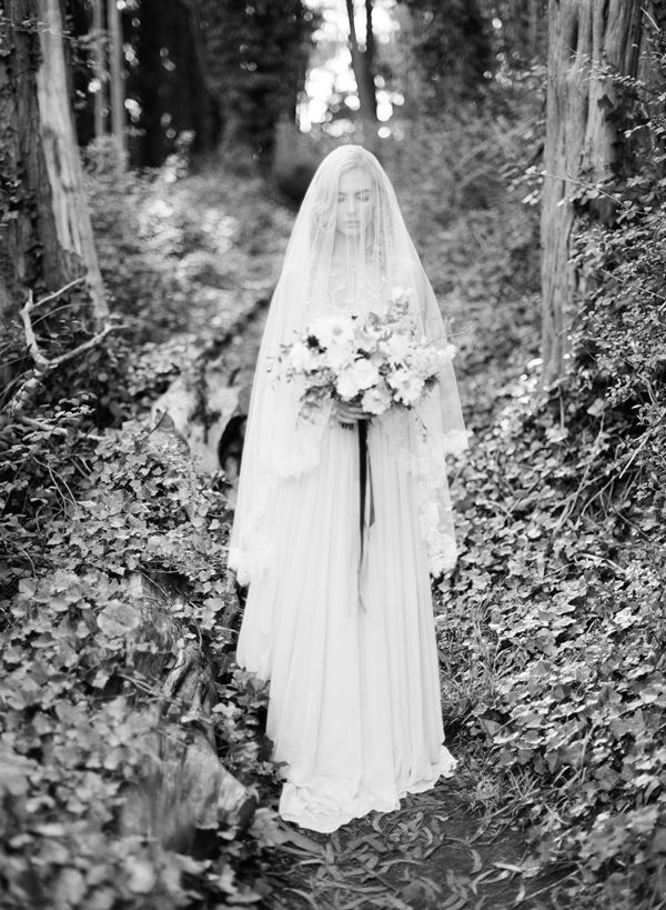 Черно-бело свадебное фото